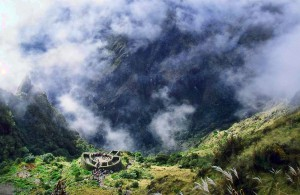 trek-chemin-inca-nuages